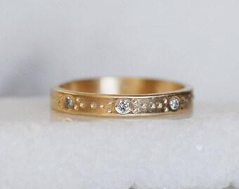 Diamond Wedding Band - 3mm 14k Gold Daisy Chain Design - rectangular Band - Eco-Friendly Recycled Gold