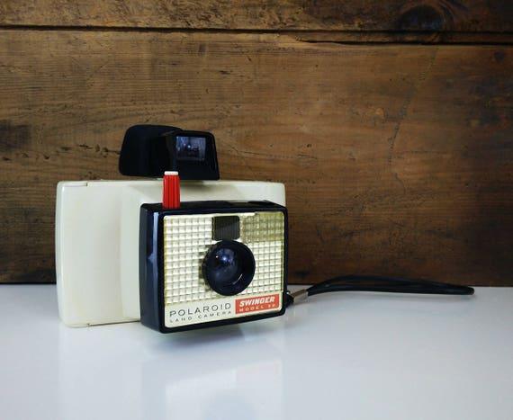 Vintage Polaroid camera - 1960s Swinger Model 20