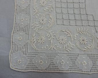 Fine Linen Embroidered Handkerchief Hankie New Old Stock