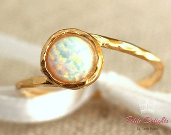 Opal Ring,Opal Gold Ring,Gift for her,Dainty Ring,White Opal Ring,Stacking Ring,Opal Gold Ring,Gold Ring,Opal Jewelry, Gemstone Ring