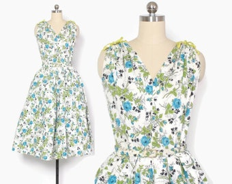 Vintage 50s Floral SUN DRESS / 1950s Blue Roses Print Cotton Full Skirt Rockabilly Dress S