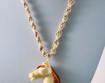Macrame rope with a horse pendant