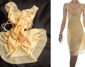 Elegant sheer silky soft buttercup yellow nylon and delicate sexy matching lace detail plus size 1980's vintage full slip petticoat - PL1591