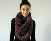 End of season SALE The Barrow - Chunky Infinity Scarf - FIG