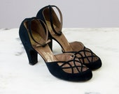 40s Vintage Black Suede Cut-Out Round Toe Pumps (8 1/2 AA; 8-8 1/2 Narrow)