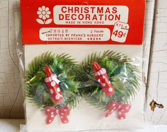 Vintage Wreath Gift Tie-ons - Red and White Polka Dot Candle and Bow - Unopened Original Package - NOS - Mid-Century 1960s - Kitschmas