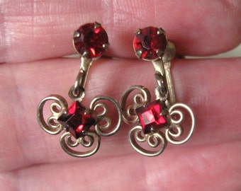 Vintage 1950s Dainty Screw Back Earrings with Red Rhinestones