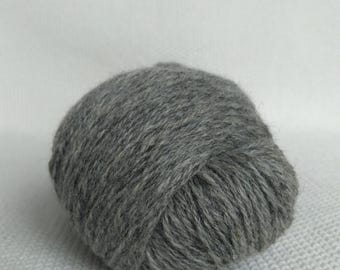 100% Wool Yarn , Fingering 3ply, dk, Mega-Yardage, Kauni Yarn, Grey