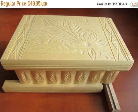 Secret Wooden Puzzle Box for Hiding Valuables - Hungary (White)