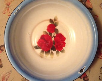 Pretty Vintage Enamel Ware Hand Painted Red Roses By Diamond
