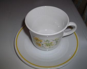 4 Corelle April Flowers Tea Cups and Saucers