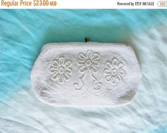 SAVE NOW Vintage Beaded White Purse Evening Clutch Flower Design Wedding Bride Bridesmaid Holiday Special Occasion Gift