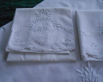 Antique French White Queen Sheet Set With Two Pillowcases Heavily Padded Embroidery 1920