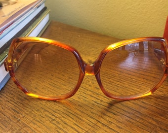 Oscar de la renta vintage sunglasses