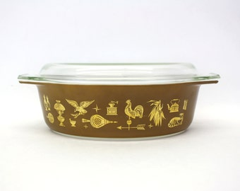 Vintage 2.5 Quart Pyrex 'Early American' Covered Casserole (E7978)