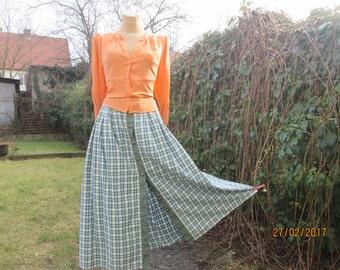 Long Buttoned Full Skirt / Buttoned Skirt Pockets / Size EUR46 / UK18 / Buttoned Skirt / Long