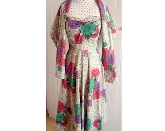 1950s 50s Vintage mexican strapless dress with matching shawl. Gold print. Party dress. Small