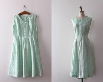 CLEARANCE vintage 1950s dress // 50s green day dress