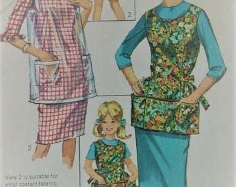 1960's Vintage Misses Simplicity Cobbler Coverall Apron with Wide Pocket & Tie Back 6809 Sewing Pattern Size Small 10 - 12 Bust 32  UNCUT