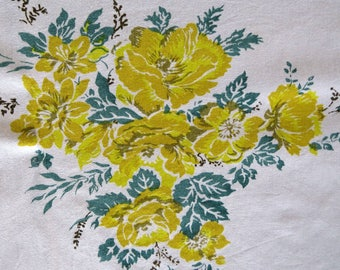 Vintage YELLOW ROSES Tablecloth Friendship Happiness Joy Summer Shower Anniversary Collectible Table Linens