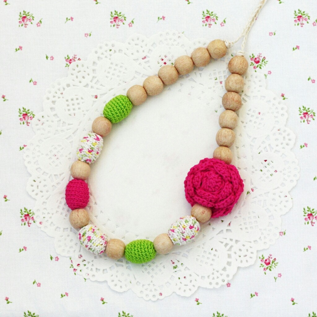 Baby Gift For Mum : Baby shower gift for mom to be pink green nursing necklace