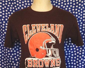 1980's Cleveland Browns t-shirt, fits like a medium