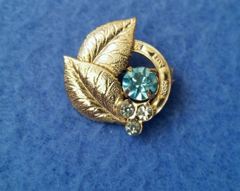 Petite Vintage Rhinestone Brooch Pin, goldtone circle with leaves, clear and light blue rhinestones