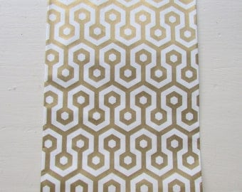 """Set of 20 METALLIC GOLD and White Honeycomb Design Middy Bitty Bags (5"""" x 7.5"""")"""