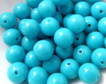 40 Vintage 8mm Turquoise Lucite Beads Bd1943