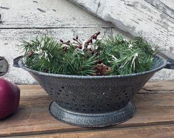 Vintage Graniteware Strainer - Enamelware Strainer - Colander - Farmhouse