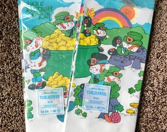 Vintage 80s St Patricks Day paty tablecovers (2) - Luck O' The Irish To You