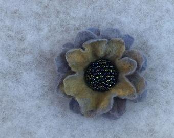 Flowers Brooch -  Felted Flower- Hand felted brooch - Wool brooch-Gray flower brooch