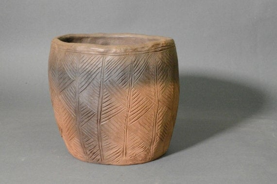 Replica Neolithic Stone Age Grooved Ware Pot