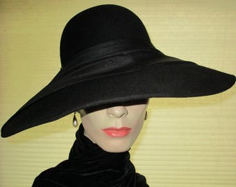 VTG ADOLFO ll Paris New York Black Mysterious Haute Couture Lauren Bacall Hat// Museum Opening// Excellent Condition