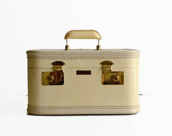 vintage train makeup case with key cream ivory white 1950s 1960s suitcase luggage
