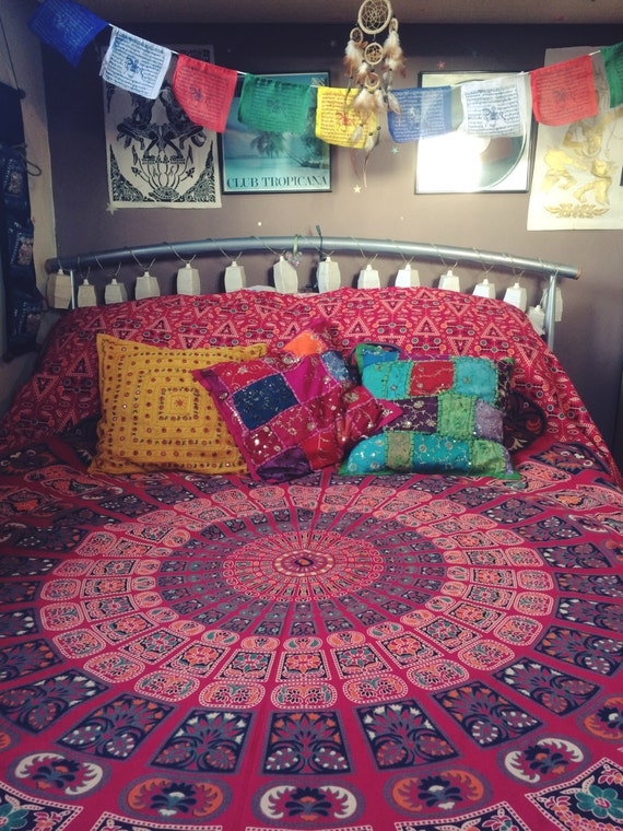RED PEACOCK THROW - Mandala Wall Hanging - Bohemian Throw - Bed Sheet - Hippie Blanket - Beach Towel - Shabby Chic - Mandala - Homeware