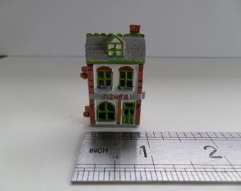 1:12th Dolls House Flower Shop Toy/Ornament  for the Dolls House Nursery