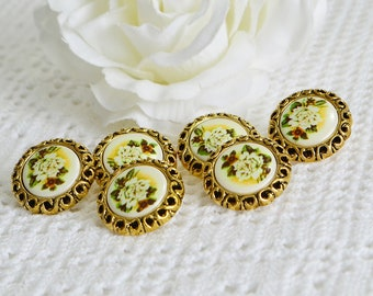 Golden flower buttons, vintage plastic seventies supplies, haberdasher supply