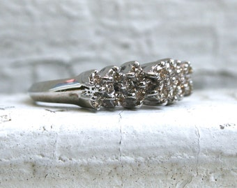 Sparkly Vintage 14K White Gold Diamond Prong Set Wedding Band - 0.49ct.
