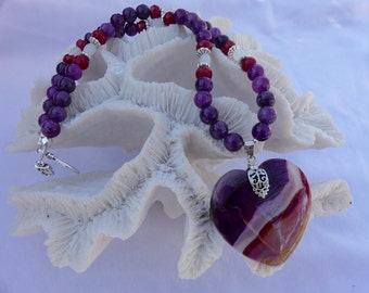 19 Inch Purple, Red, and White Agate Heart Pendant Necklace with Earrings