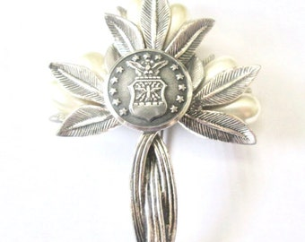 US Air Force Academy, USAF vintage button brooch. Cross design