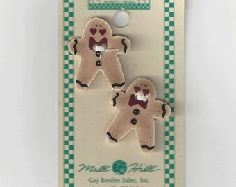 Clearance - Debbie Mumm Gingerbread Man with Bowtie Button Set #43019