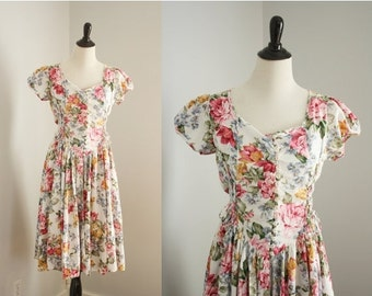 SALE 40% OFF vintage floral dress | 1980s drop yoke dress