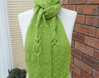 Handknitted Owl Scarf, Knitt Owl Scarf, Owl Scarf in Olive Green, Knitted Owl Scarf