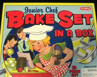 New Schylling Junior Chef Bake Set In A Box / Retro Style / Unopened / Quality