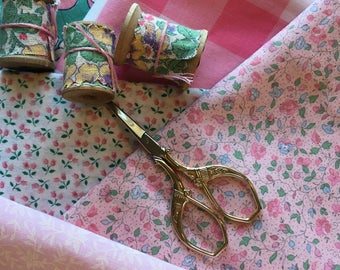 Lot of vintage quilting fabric pinks crafts sewing