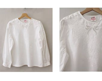 1970s embroidered indian Blouse white cotton/ 70s indian white blouse / vintage embroidered blouse