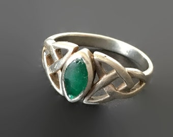 Vintage Celtic Triquetra Emerald Ring, Sterling Silver, Trinity Knot Ring, SZ 6.25 Irish Ring, Ireland