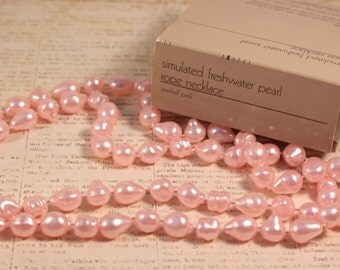 Avon Simulated Freshwater Pearl Rope Necklace Seashell Pink - Vintage 1986