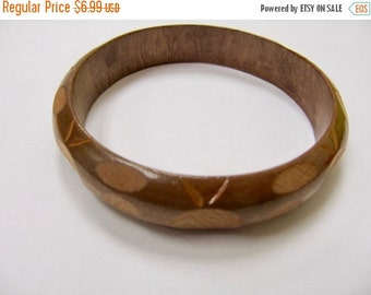 On Sale Vintage Carved Wooden Bangle Bracelet Item K # 468
